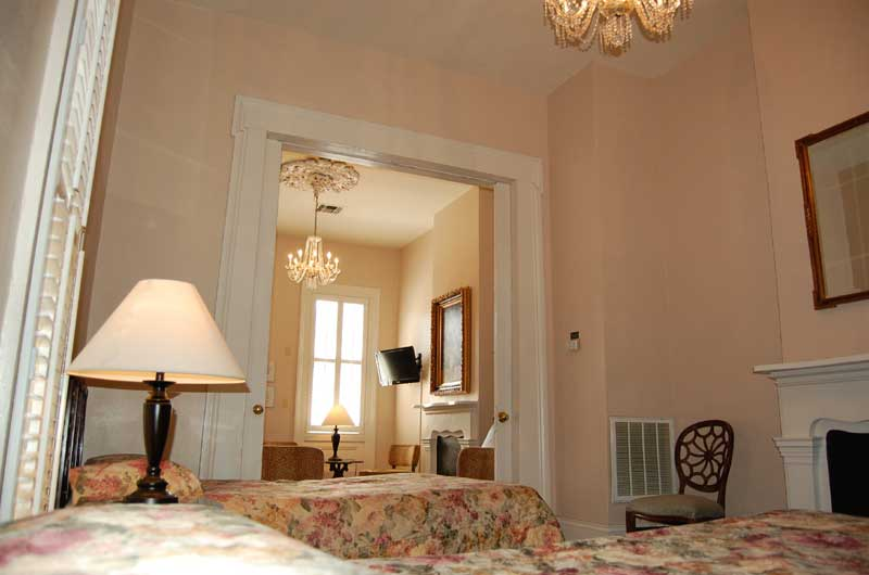 six bedroom townhouse french quarter suites hotel