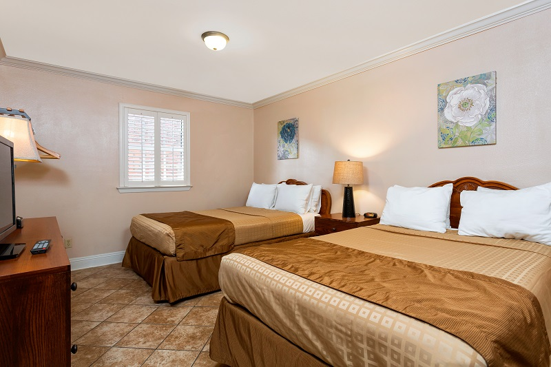 two bedroom deluxe french quarter suites hotel